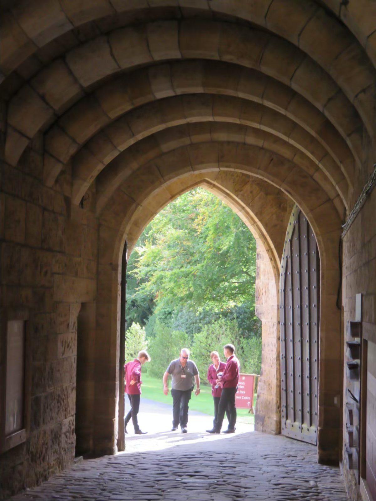 Alnwick Castle & Garden – Joni\'s Jottings